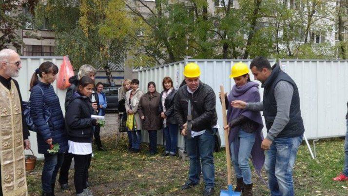 """""""Първа копка"""" на новата сграда към 51 ДГ """"Щурче""""."""
