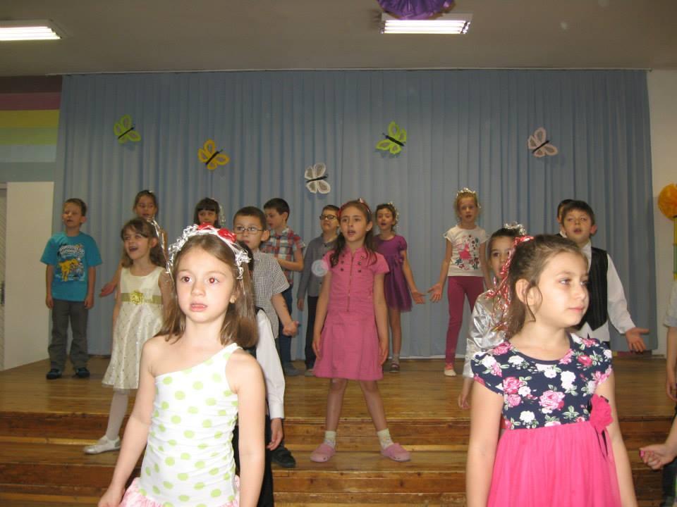 """Галерия - """"В сърцето на всяко дете, пее весело щурче"""""""